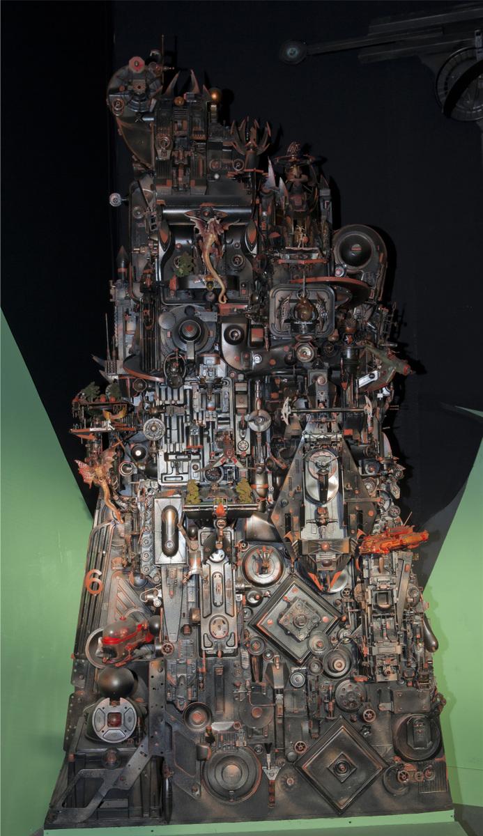 Jacques Lélut - CITE DES DRAGONS Festival SF / Roanne 2,90x 1,50x 0,76cm