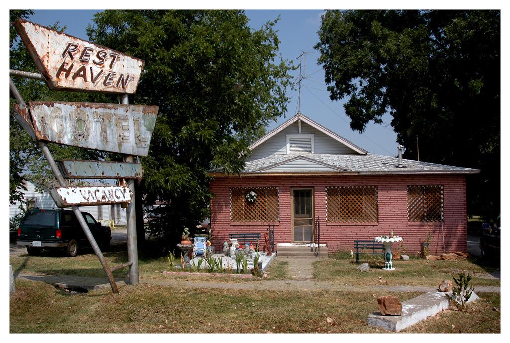 Simon Larson Photography - Rest Haven Motel, Route 66