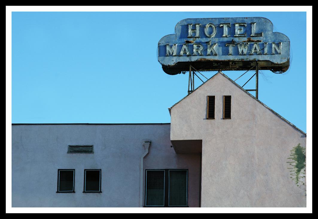 Simon Larson Photography - Hotel Mark Twain, Route 66