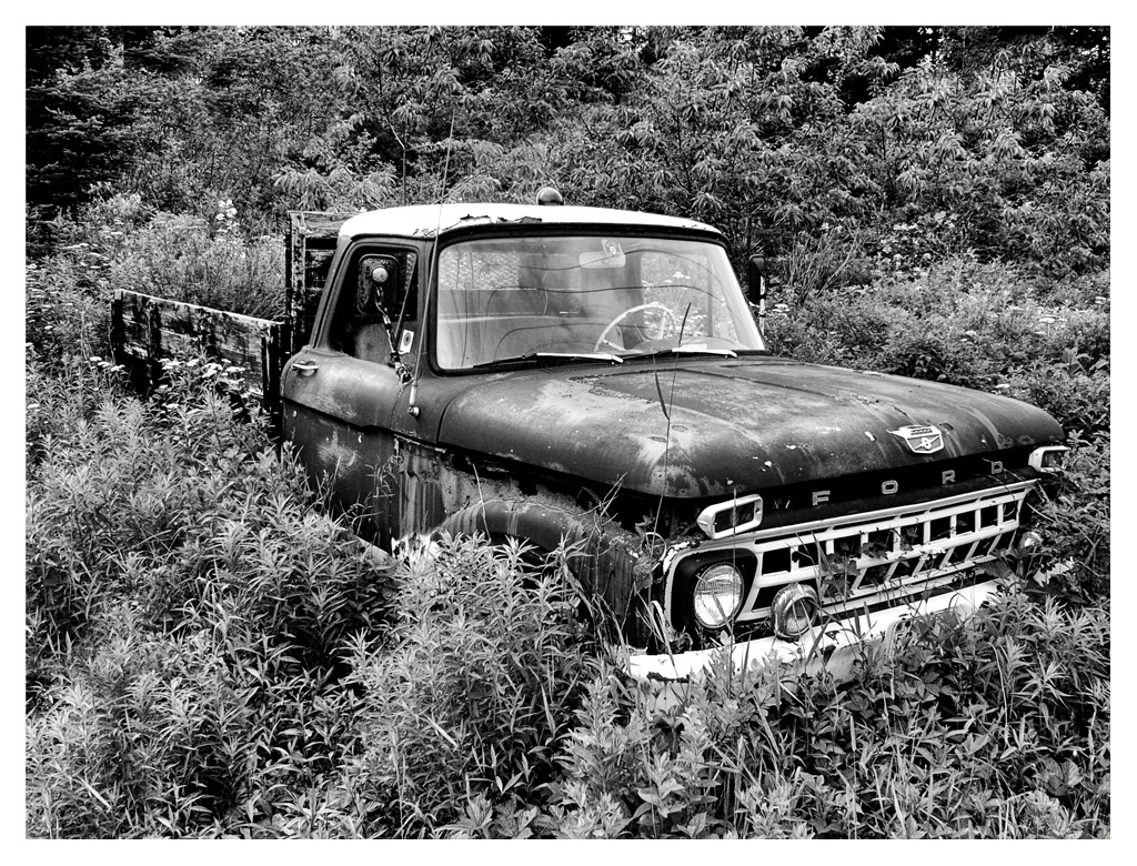 Simon Larson Photography - Abandoned Ford Pick-up, Route 66