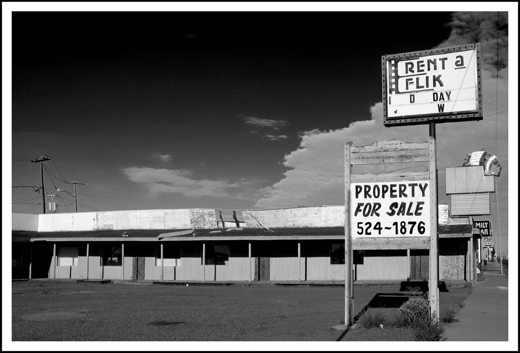 Simon Larson Photography - Rent-a-Flick, Abandoned Motel, Route 66