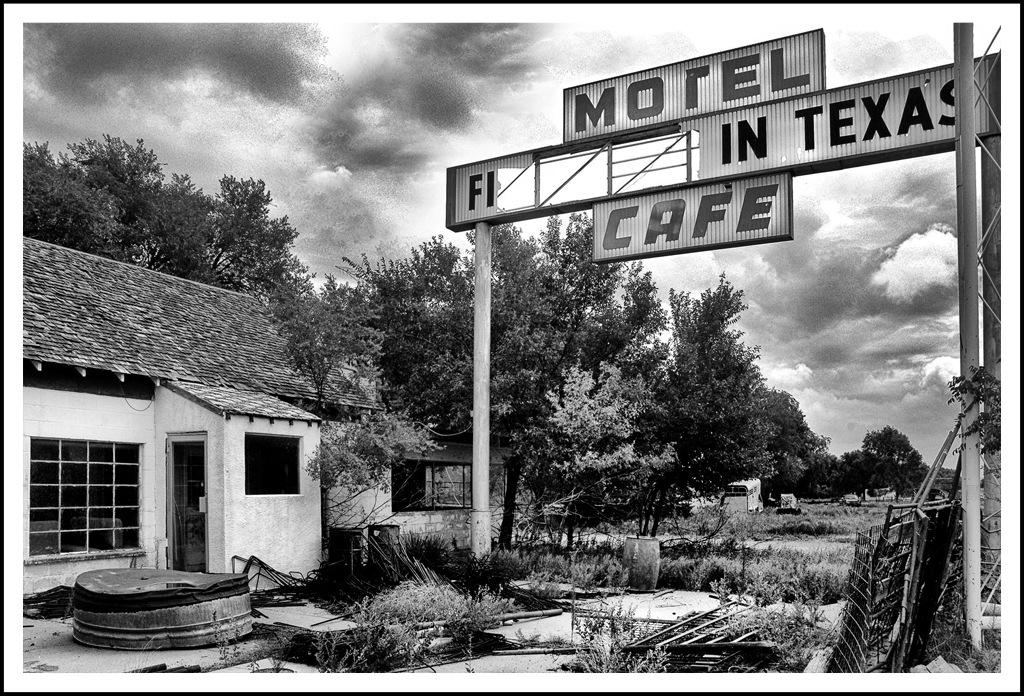 Simon Larson Photography - Abandoned Texola Garage, Route 66