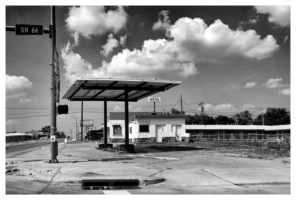 Simon Larson Photography - Abandoned Gas Station, Route 66
