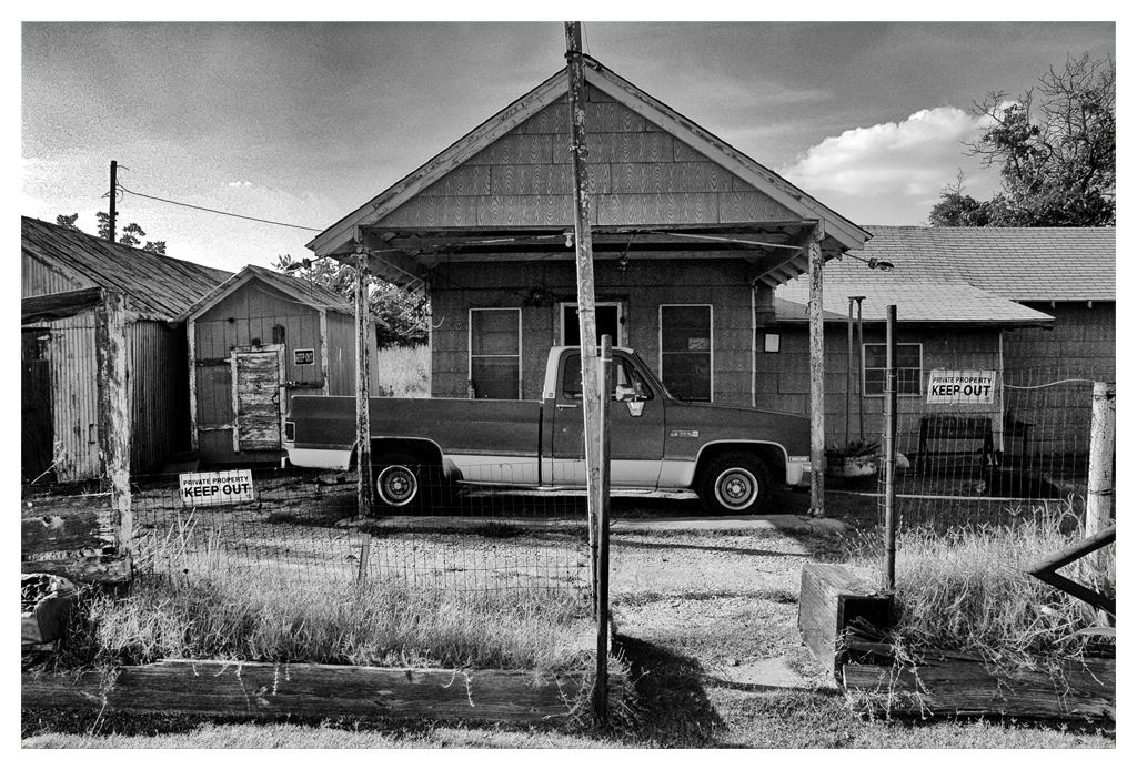 Simon Larson Photography - Pick-up and sheds, Oklahoma, Route 66