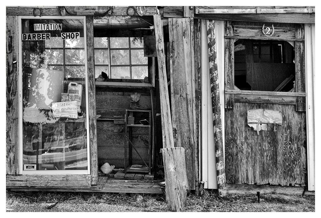 Simon Larson Photography - Imitation Barber Shop, Route 66