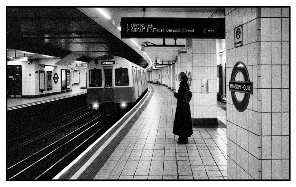 Simon Larson Photography - Mansion House, London Underground
