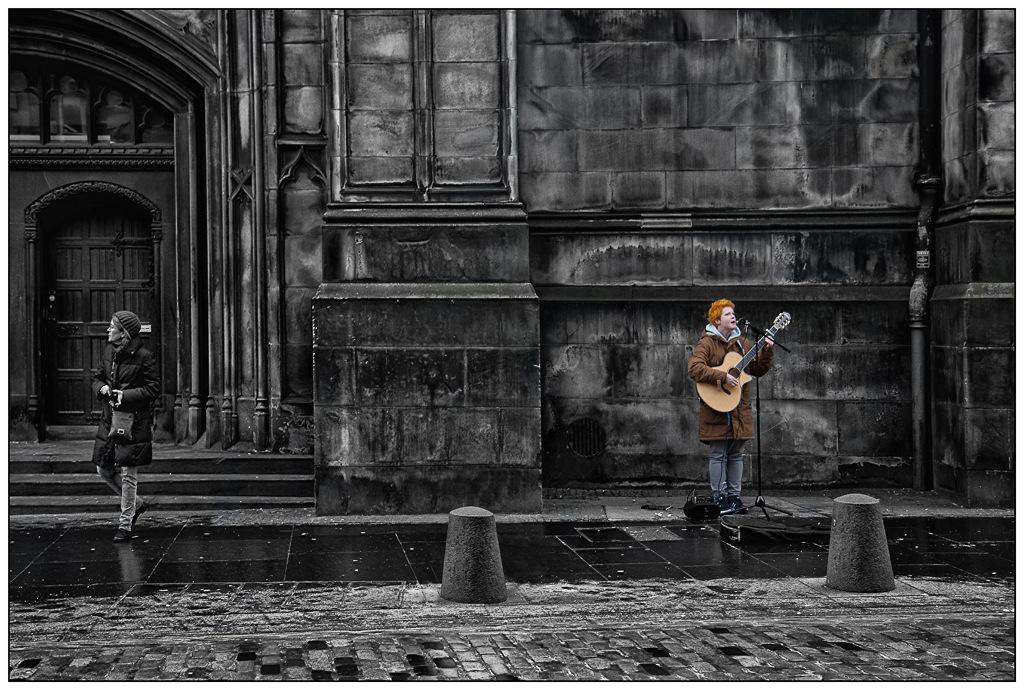 Simon Larson Photography - Busker, Edinburgh