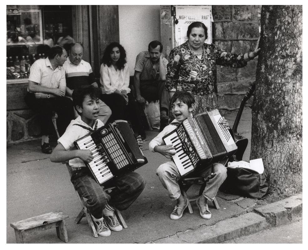 Simon Larson Photography - Street Entertainers, Warsaw, Poland