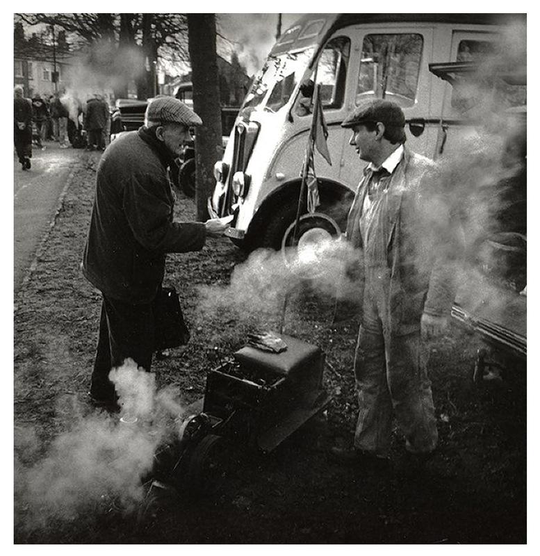 Simon Larson Photography - The Conversation, Steam Rally, Tettenhall, Wolverhampton