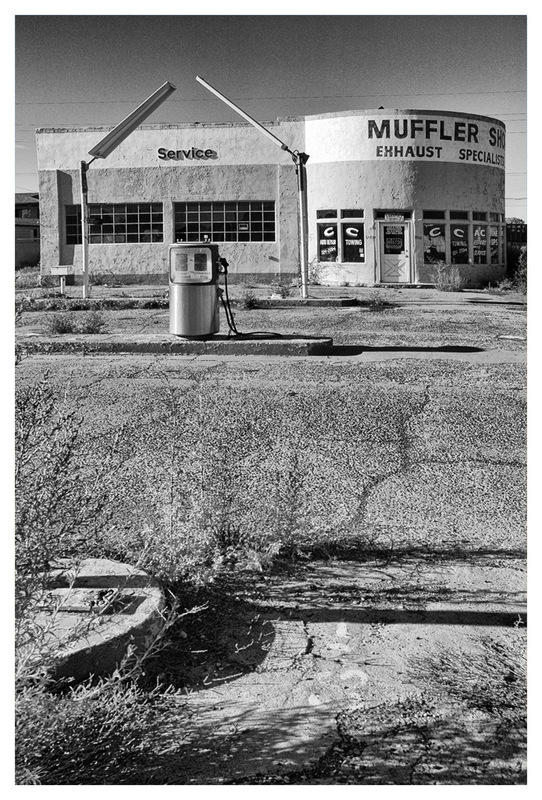 Simon Larson Photography - Abandoned Gas Station and Muffler Shop, Route 66
