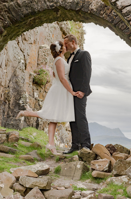 Simon Larson Photography - The wedding of Nicolas and Lena from Germany, Dunscaithe Castle, Tokavaig, Isle of Skye June 2017