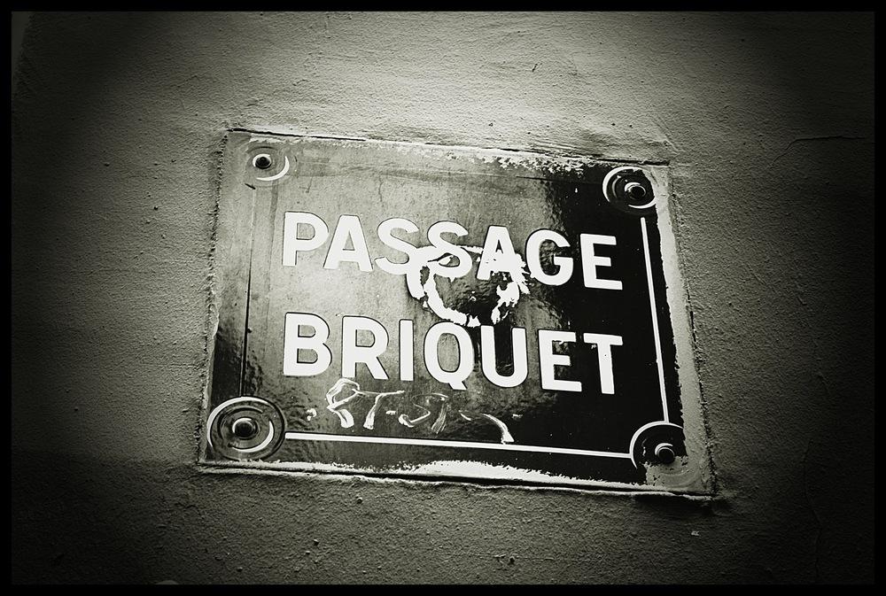 tania karaportfoliobox.fr - Passage Briquet
