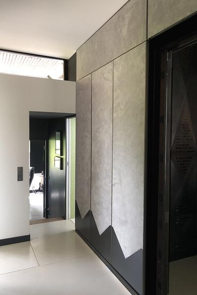 ENTRE AXES ARCHITECTURE - Habillage de mur Acier et velour