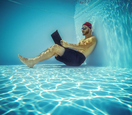 PaoloCipriani Imagestalk - diving laptop