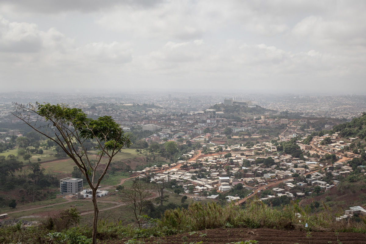 Adrienne Surprenant - Christine Embiid walks on the mount Febe, on Sunday the 26th. Since the death of her younger son Arthur, she does not go out much, apart from this weekly walk on the beautiful hill where you can see Yaounde.