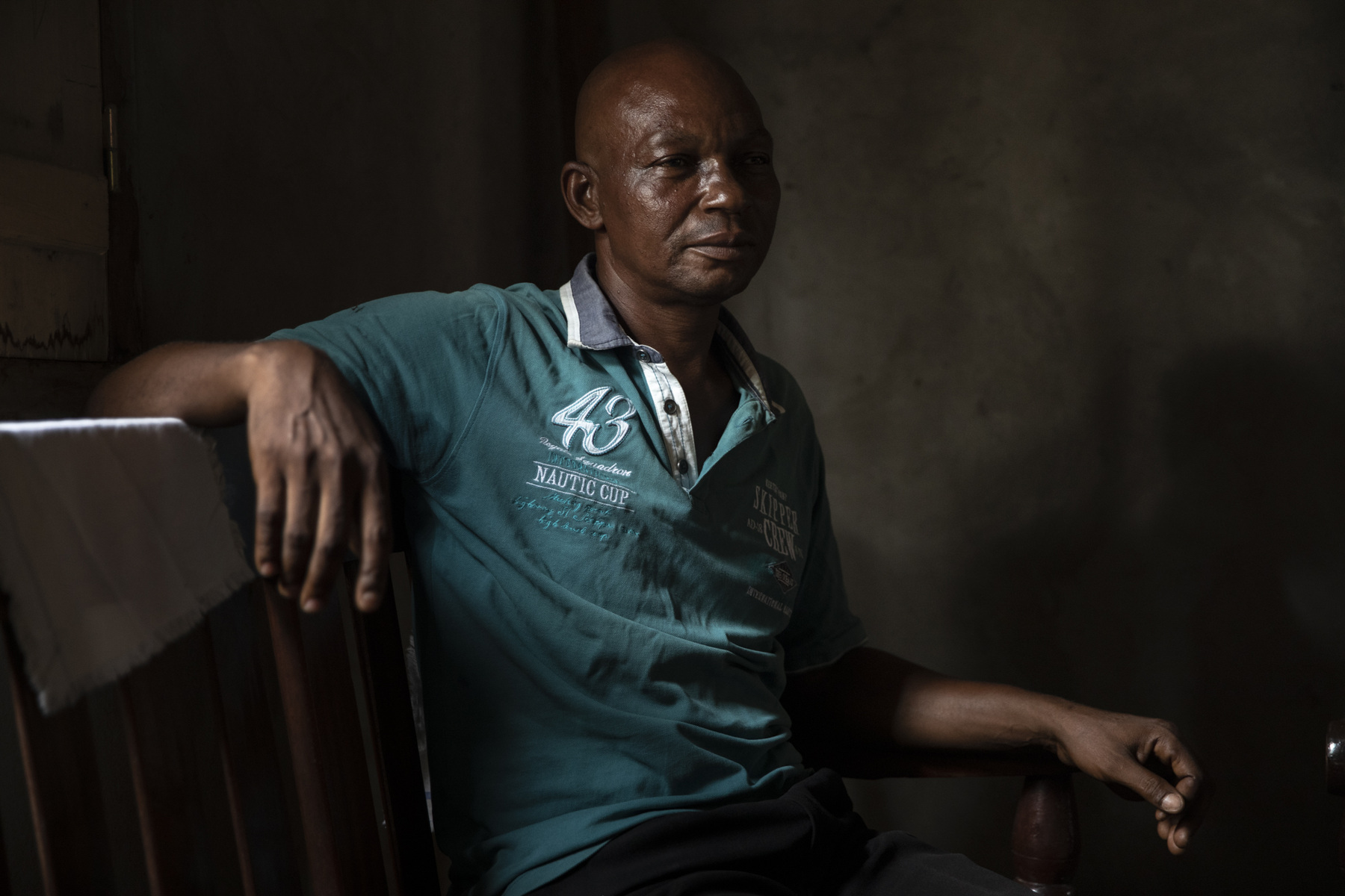Adrienne Surprenant - Désiré Ndoumba, a 50-years-old father of 8, hosted around 50 of his neighbours when the floods invaded their homes. At first they sleep in the back of his house, on a small portion of land spared by the waters. When it rained, all 50 people would fit in his house. I cant just stare at the people staying homeless. Thats why I opened my doors to them, so that they can sleep well, and that everyone has at least a small space, she says. Now only 30 people remain, and as the water level dropped, they have a bit more space to sleep. He lives in Bangui, capital of the Central African Republic.