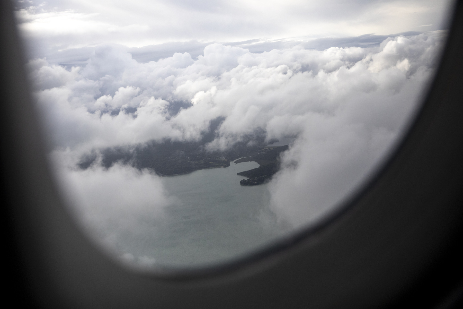 Adrienne Surprenant - 19/12/2018, Auckland, New Zealand — View of New Zealand from the plane leaving to Samoa.