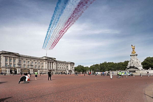 Paul Marriott Photography - Red Arrows VE Day 75th Anniversary