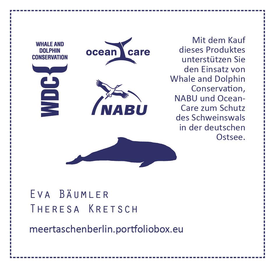 meertaschenberlin - Etikett Auf dem Etikett wird mit dem Logo der Organisation, die den Anteil der Spenden umsetzt, einem kurzen Text über den Zweck der Spende und die Produzentinnen hingewiesen.Das Etikett wurde im Handsiebdruck realisiert.