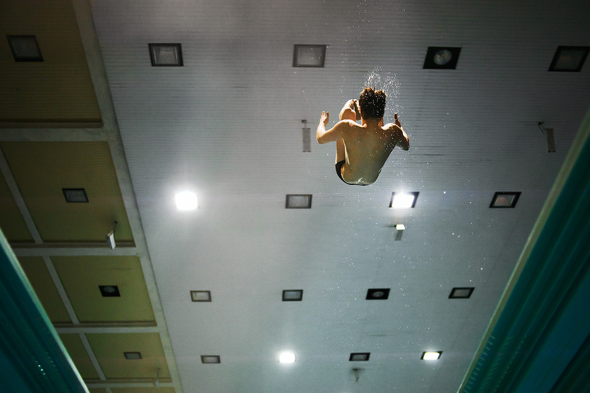 Mareike Timm | Photo Journalist - Diver Soren Jung during a training session. Freelance, 2011.
