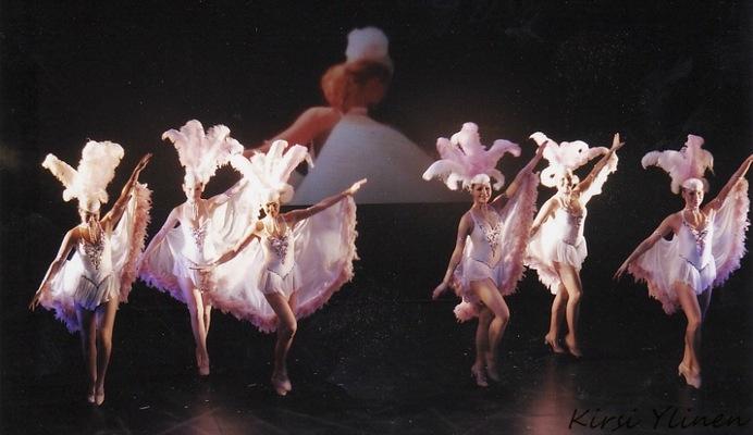 Kirsi Ylinen - Showgirls