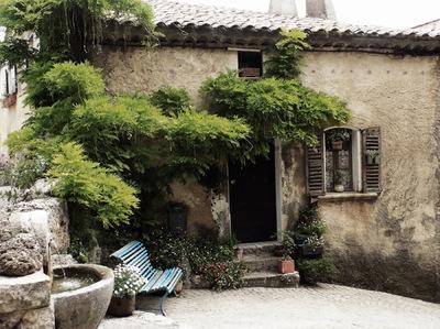 studio svart ateljé vit - Wisteria in Provence