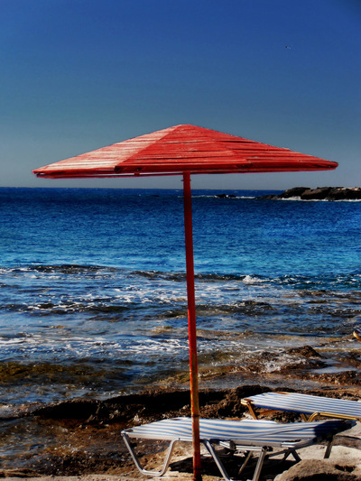 studio svart ateljé vit - Beach umbrella by the sea