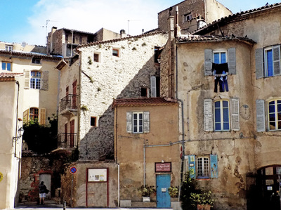 studio svart ateljé vit - shabby house in Provence