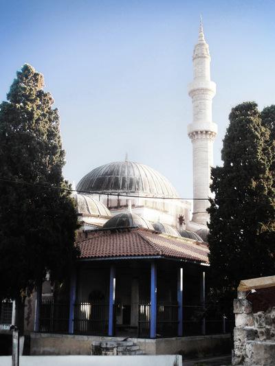 studio svart ateljé vit - Turkish minaret Rhodes