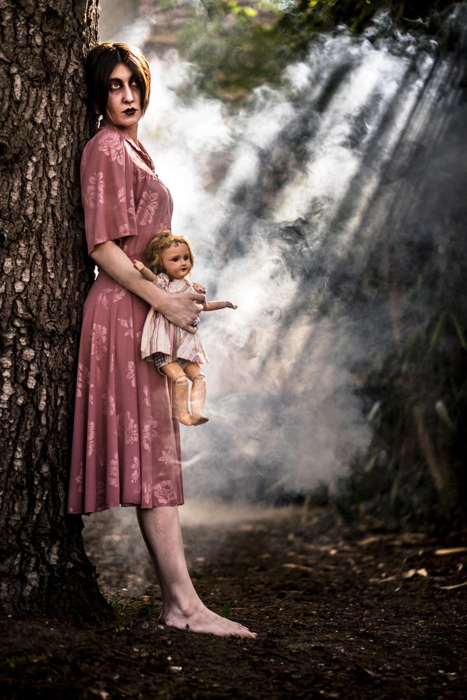 Isabelle Secher - Retouches images - Extrait de la série Horror Story - Photographe Dominique Secher