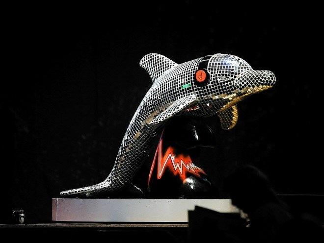 WINDOW DISPLAYS I EVENT STYLING I PROPS I CUSTOM ARTWORK I EDINBURGH - Finished Dolphin at auction