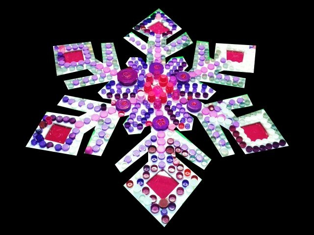 WINDOW DISPLAYS I EVENT STYLING I PROPS I CUSTOM ARTWORK I EDINBURGH - Purple and pink plastic bottle tops make for a sparkling Winter snowflake