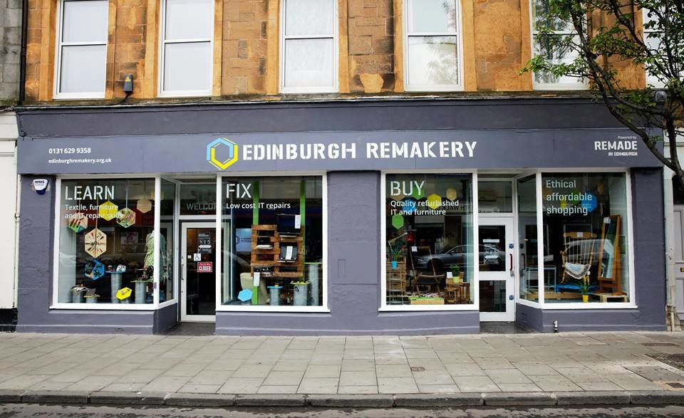 WINDOW DISPLAYS I EVENT STYLING I PROPS I CUSTOM ARTWORK I EDINBURGH - Sign writing and window design