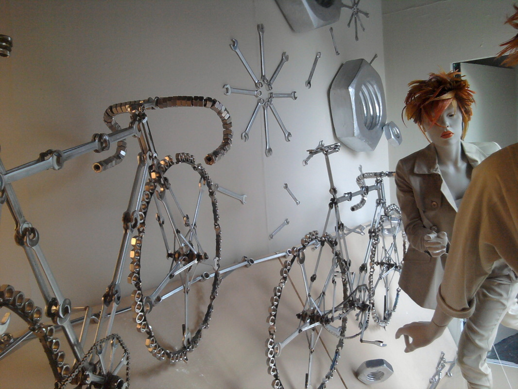 WINDOW DISPLAYS I EVENT STYLING I PROPS I CUSTOM ARTWORK I EDINBURGH - Unpractical bikes!