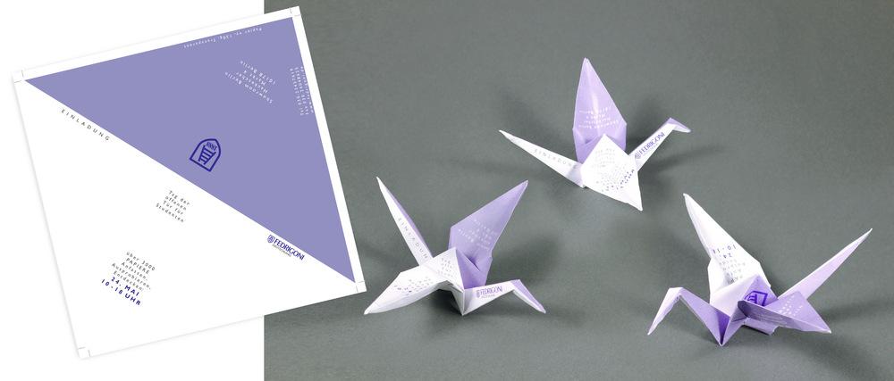 Lorem Ypsum - Fedrigoni – Tag der offenen Tür Thema: Schulprojekt / Ausschreibung: Papier erlebt man – wenn überhaupt – am besten beim Origamiren. Daher ist mein Entwurf für die Einladungskarte ein Kranich. Er musste als stereotypischstes Origamifigürchen herhalten und hat seine Aufgabe vorzüglich erfüllt. Idee | Umsetzung Projekt bei: Lette Verein, Ausbildung