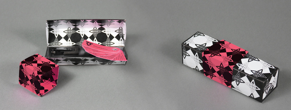 Lorem Ypsum - USB-Stick Aufbewahrungsbox Thema: Schulprojekt. Auch wenn ich bezweifele, dass dieses Utensil tatsächlich zum Einsatz käme, dennoch eine spaßige Idee zur Stickaufbewahrung. Idee | Umsetzung | Design Projekt bei: Lette Verein, Ausbildung