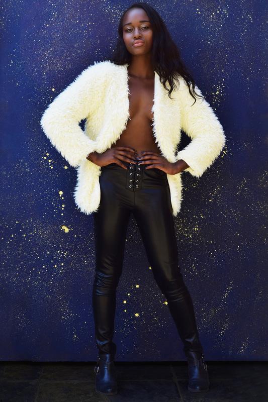 I ΔM WOMAN - Viper black