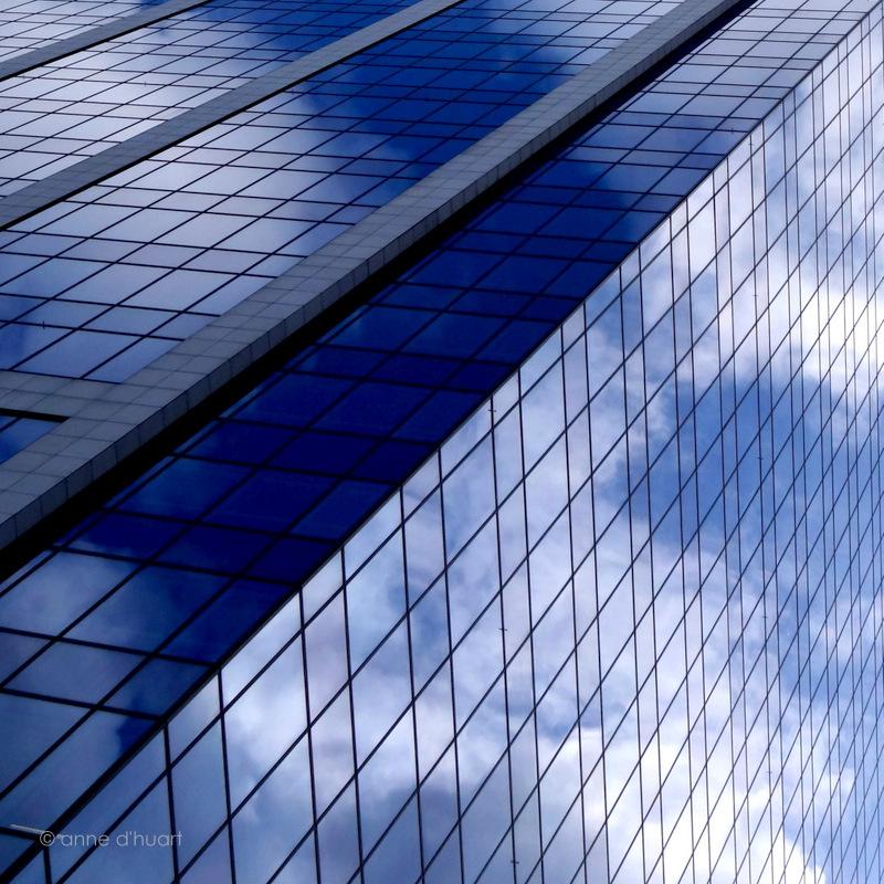 Anne dHuart . Photographies - Tenue de ville bleu ciel