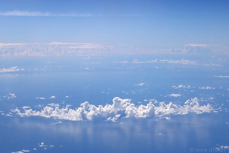 Anne dHuart . Photographies - Vol au-dessus dun nid de nuages