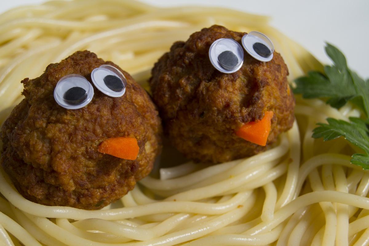 El reflejo de mi espejo - Pollitos en nido de espaguetis