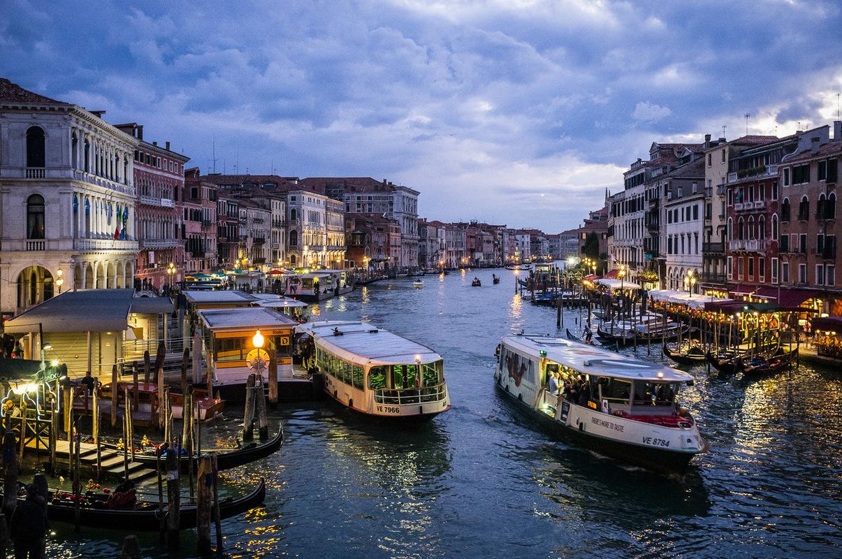 Fabien Delairon photographe - Italie - Venise, le grand canal depuis le Rialto