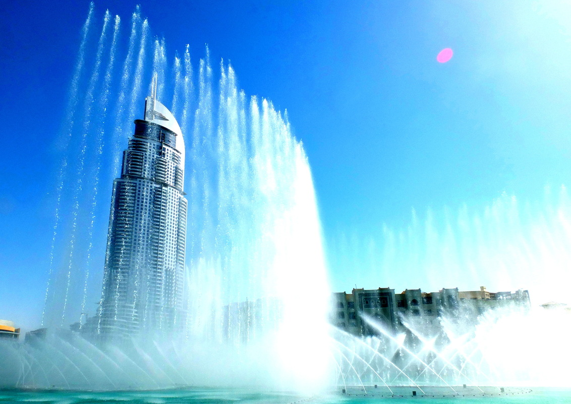 Michel Duong Picture Entertainment - Dubai Dancing Fountains #MichelDuong #MDPE #ReperageShopping