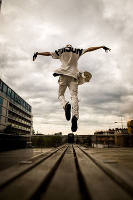 David Wallace Shoots Photographer - Levitate