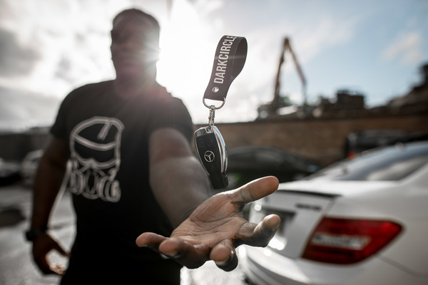 David Wallace Shoots Photographer - AMG.