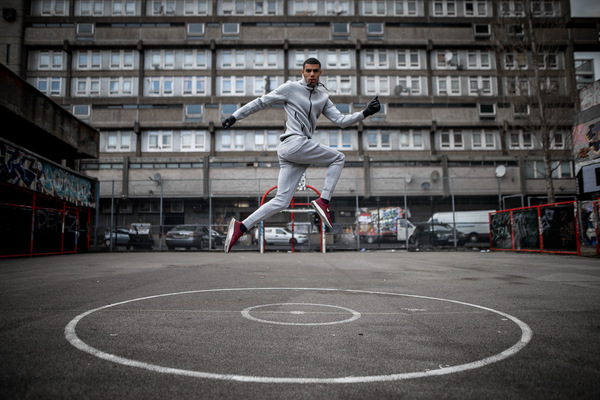 David Wallace Shoots Photographer - Running rings around you