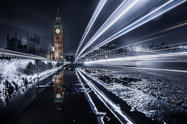 David Wallace Shoots Photographer - Chrome Big Ben.