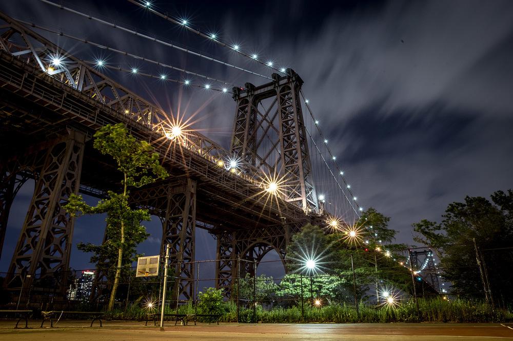 David Wallace Shoots Photographer - NYC, Williamsburg Bridge.