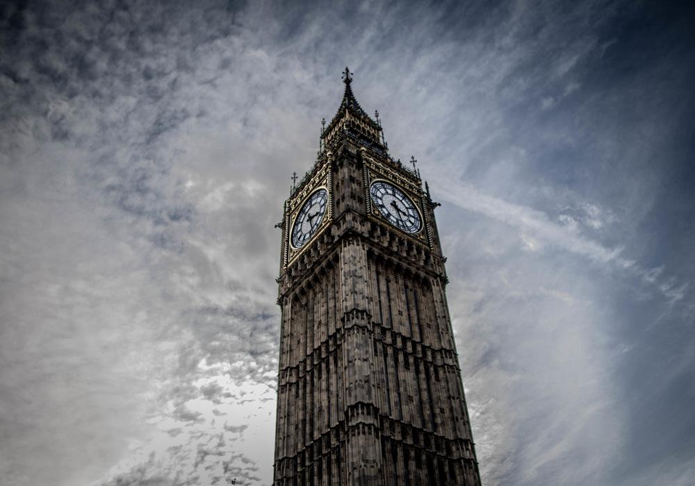David Wallace Shoots Photographer - Big Ben.
