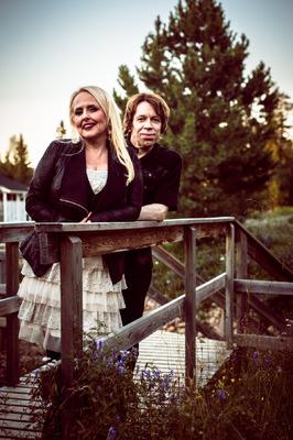Emmi Kähkönen Photography - Sami & Maarit Hurmerinta
