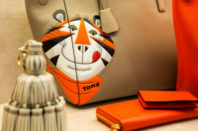 EVERYNIGHT IMAGES - London based photography agency - DEBBIE BRAGG: ANYA HINDMARCH STORE